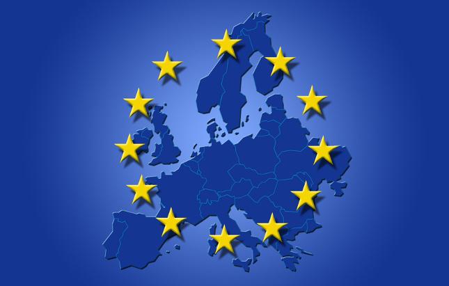 Europa pide que las redes sociales adapten los términos de usuarios