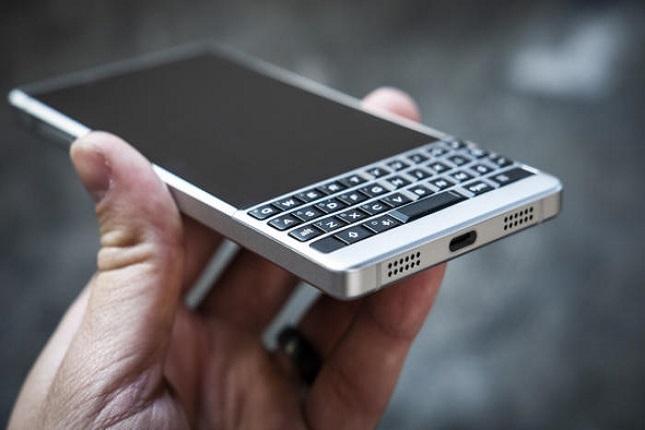 BlackBerry KEY2 vuelve con el mejor teclado físico