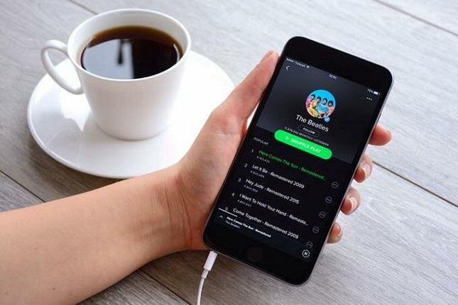 Servicios de streaming mejoran la industria musical