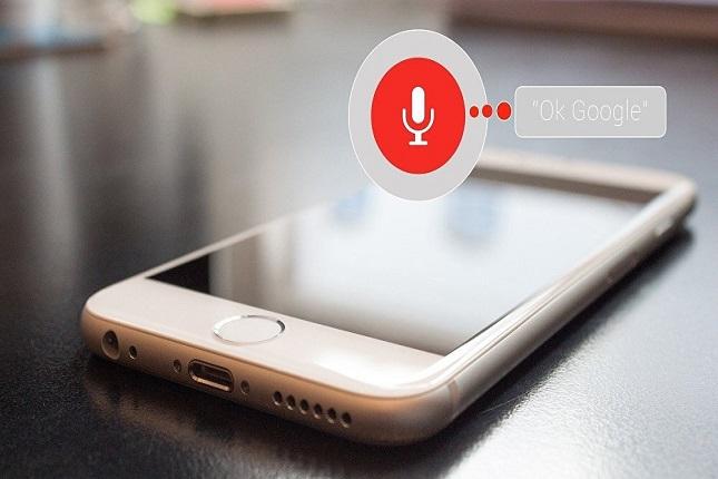 Apple y Google no espiarán los audios de los asistentes personales momentáneamente
