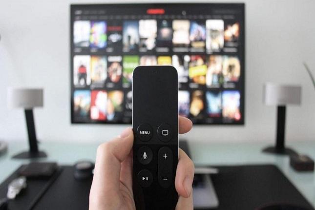 Espectadores aceptan la publicidad en servicios de streaming si ofrecen precios más bajos