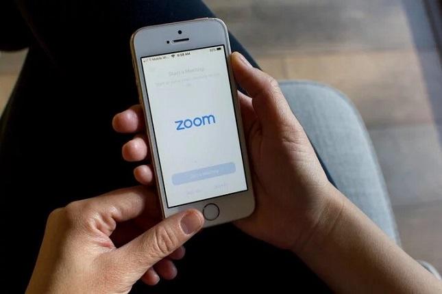 Servicio de videoconferencias Zoom no compartirá información con Facebook en iOS