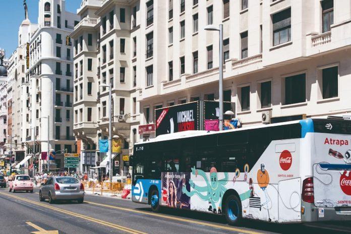 El autobús es el soporte publicitario exterior de más notoriedad