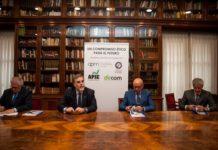 Periodistas y Dircoms firman un acuerdo para salvaguardar la ética profesional