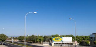 KFC se fusiona con Ikea para la apertura de su nuevo local en Mallorca