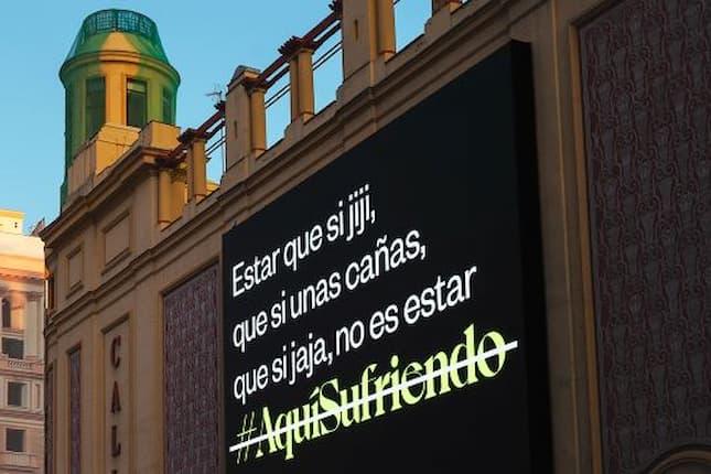 El Teléfono de la Esperanza reclama dejar de ironizar con el hashtag #AquíSufriendo